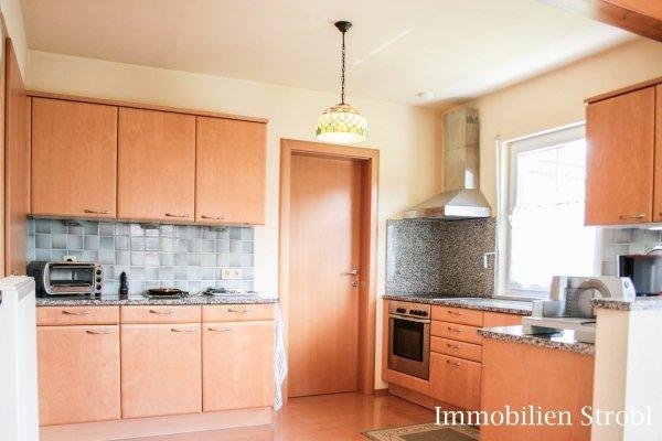 immobilien strobl in salzburg verkauft h bsches einfamilienhaus in henndorf am wallersee. Black Bedroom Furniture Sets. Home Design Ideas