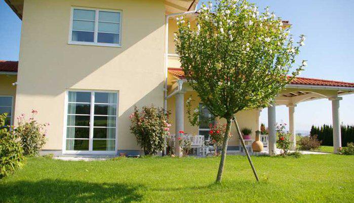 immobilien strobl in salzburg villa im toskana stil in bester lage mit blick auf den wallersee. Black Bedroom Furniture Sets. Home Design Ideas